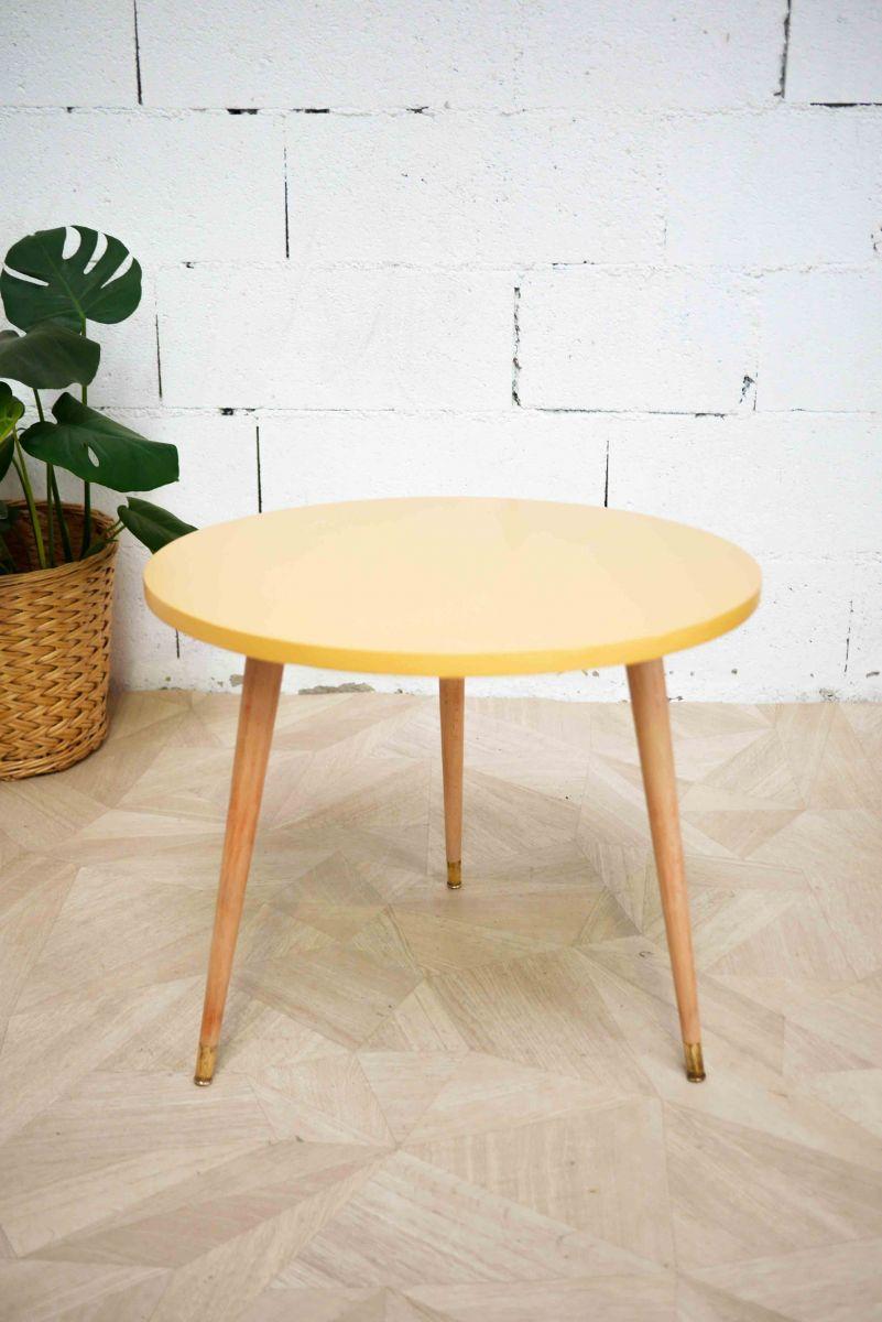 Table basse jaune