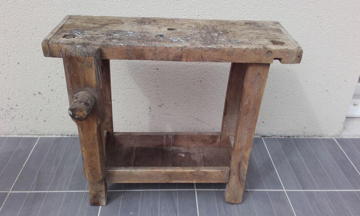 etabli ancien en bois luckyfind. Black Bedroom Furniture Sets. Home Design Ideas