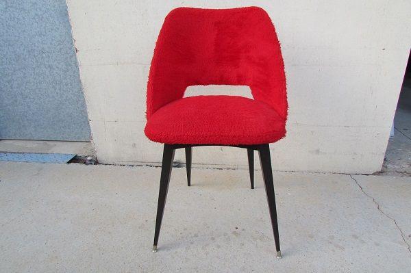 chaise gondole vintage fourrure rouge moumoute luckyfind. Black Bedroom Furniture Sets. Home Design Ideas