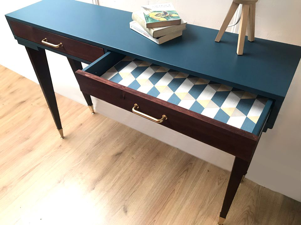 console scandinave luckyfind. Black Bedroom Furniture Sets. Home Design Ideas