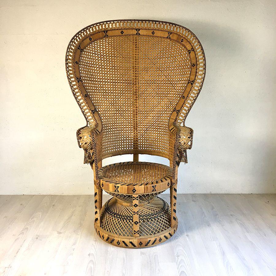 fauteuil emmanuelle en rotin vintage 70 39 s luckyfind. Black Bedroom Furniture Sets. Home Design Ideas