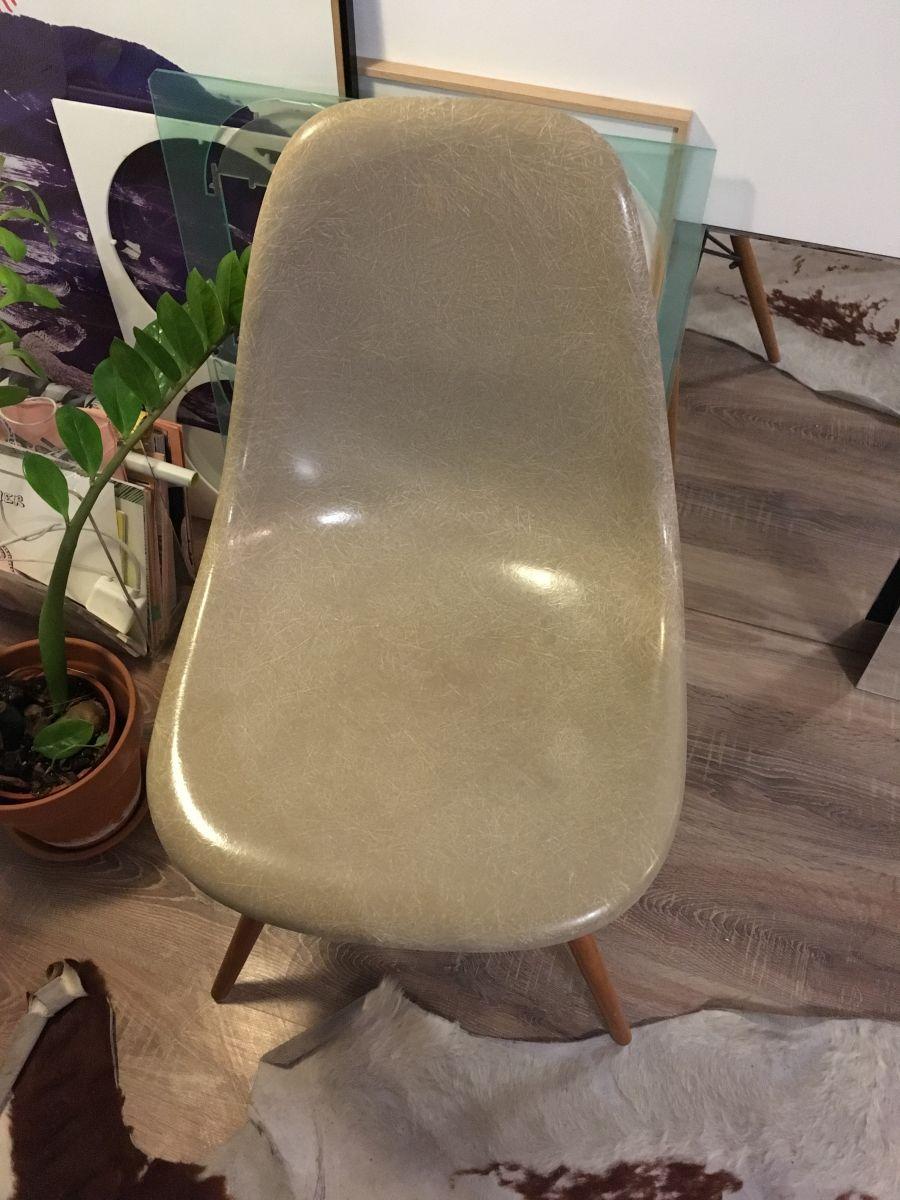 Chaise Eames Fibre De Verre DSW Greige