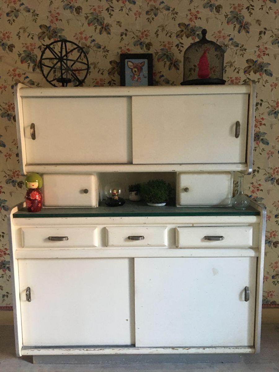 buffet cuisine ann e 60 70 forme rare luckyfind. Black Bedroom Furniture Sets. Home Design Ideas