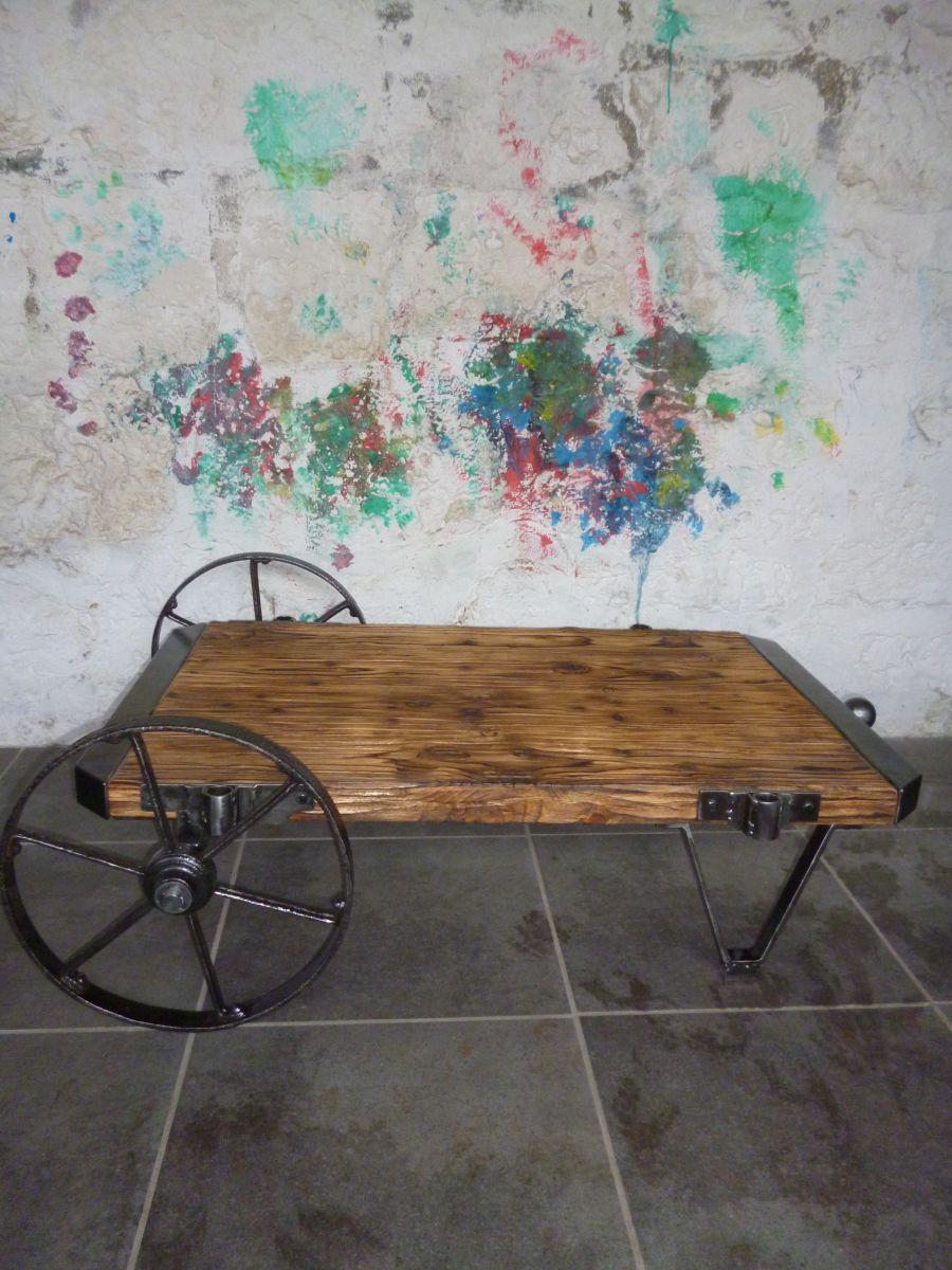 chariot industriel table basse luckyfind. Black Bedroom Furniture Sets. Home Design Ideas