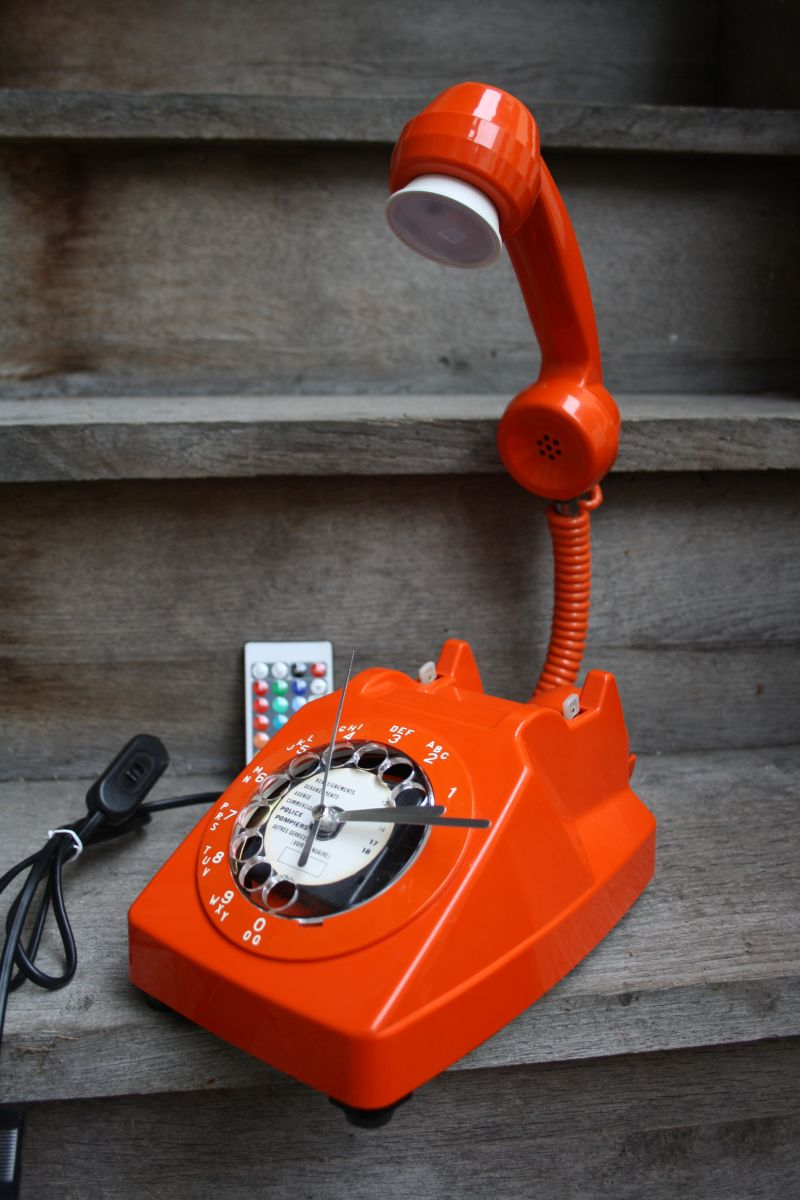 lampe a poser recup 39 vintage telephone 3 luckyfind. Black Bedroom Furniture Sets. Home Design Ideas