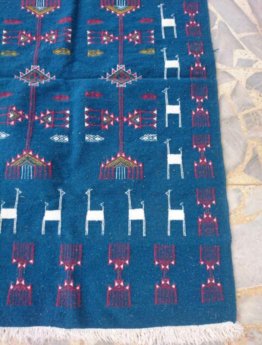 tapis kilim bleu fait main 150cm 95cm luckyfind. Black Bedroom Furniture Sets. Home Design Ideas