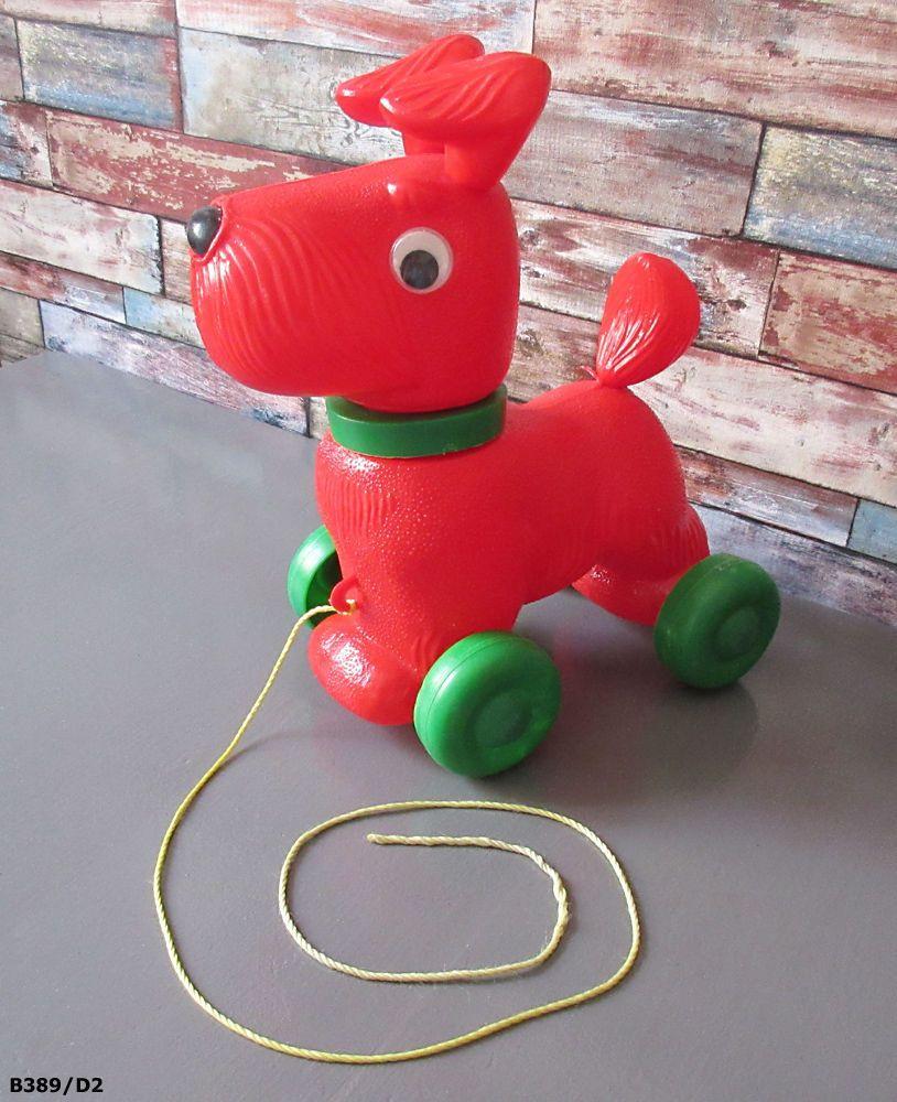 Animaux En Plastique Jouet jouet ancien vintage - chien en plastique qui roule