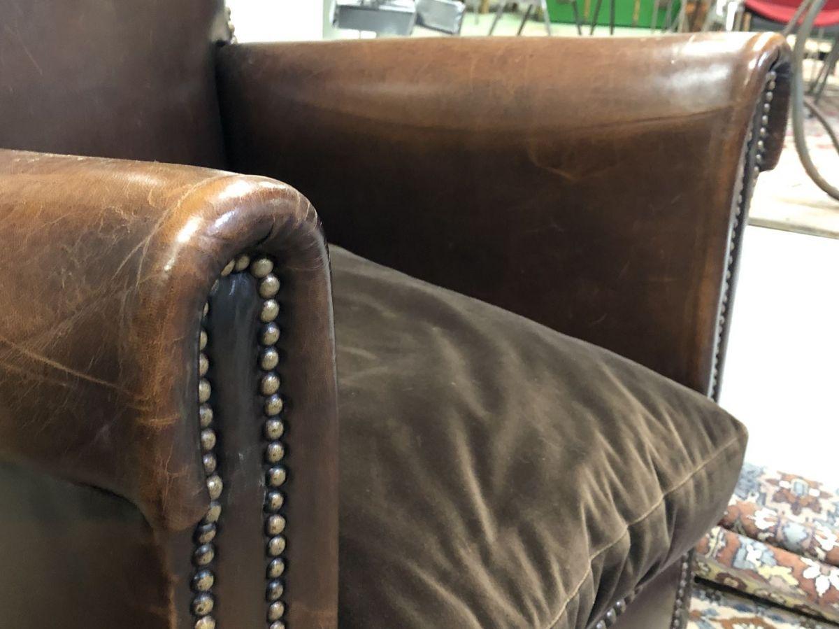 e072438bf1e7f Paire de Club en cuir modèle Cathédrale des années 50 – Luckyfind