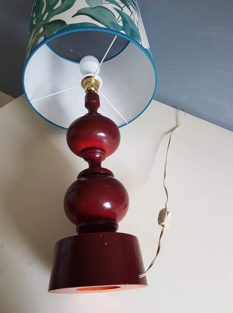 grande lampe vintage avec abat jour jungle et pied tourné