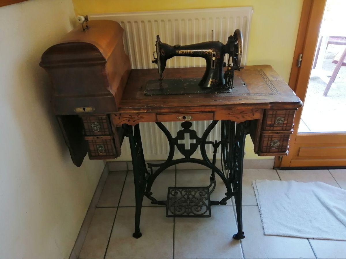 Machine A Coudre Ancienne machine à coudre helvetia