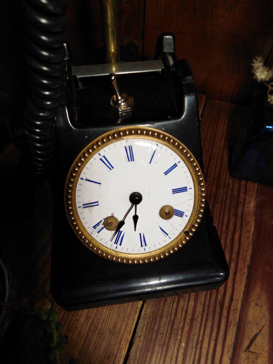 Comment Redonner Du Lustre Au Quartz lampe telephone et horloge/detournement d'objet/recyclage