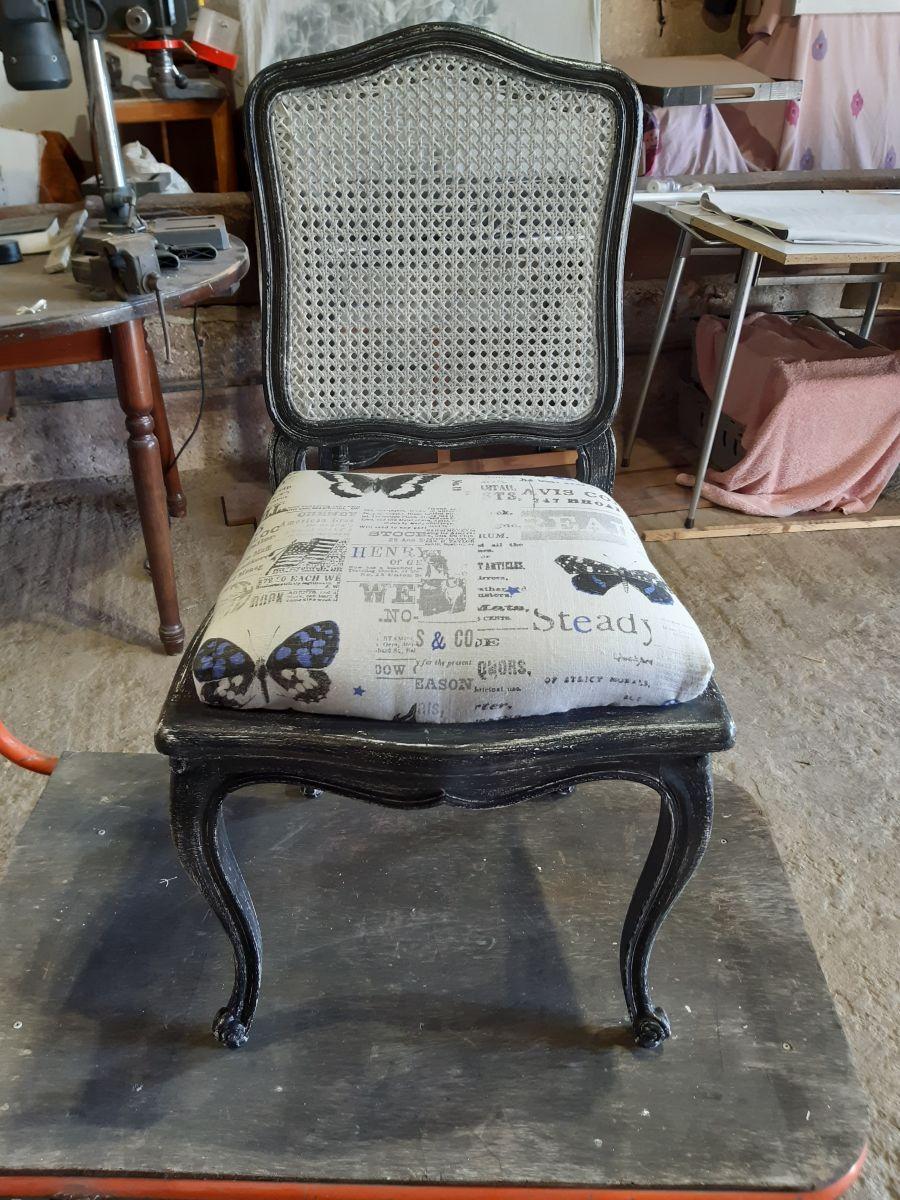 Fantastique chaise relookée – Luckyfind CU-14