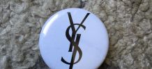 OFFICIEL YSL - PIN'S YVES SAINT LAURENT - COLLECTOR BIJOU PARFUMS - NEUF