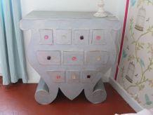 commode vintage en bois et bleu luckyfind. Black Bedroom Furniture Sets. Home Design Ideas