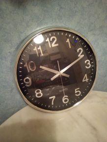 acheter une horloge une pendule un r veil d 39 occasion. Black Bedroom Furniture Sets. Home Design Ideas