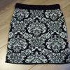 Mini jupe noir et blanc.