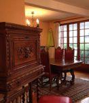 Meuble vitrine bois massif ferrures