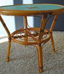 Table basse en rotin relookée vintage