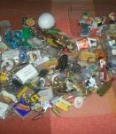 LOT COLLECTION PORTE-CLEFS FEVES ET PIN'S