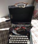 Ancienne machine à écrire XIXème Mercedes