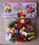 """3 Jouets anciens - """"80 briques avec personnages et roues"""