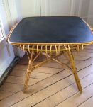 Table en rotin à boucles