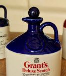Lot de 3 cruches à whisky