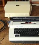 Machine à écrire Erika Electric S2020 de 1983