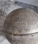 flotteur ancien de filet de pêche en aluminium Ruban Bleu