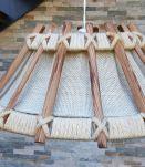 suspension  en bois et tissus  vintage