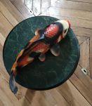 Sculpture ou vase mural en barbotine Carpe koi japonais péri
