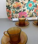4tasses et sous tasses ambrées annee70's