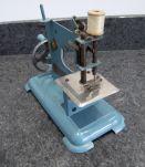 """machine à coudre bleue tôle marque """"piq bien"""""""
