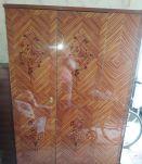 Armoire vernis fleurettes style Louis XVI