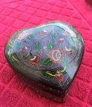 Boite à bijoux en forme de coeur en bois