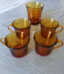 4 tasses, 1 verre Duralex ambré