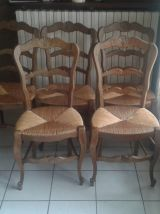 Lot table chaise lustre et lampe