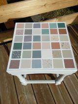 chevet, table de nuit, console, sellette,  tabouret recyclé, relooké en gris, patiné style shabby, porte-plantes, recyclage, détournement