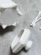 pot en porcelaine pour coton tige salle de bain