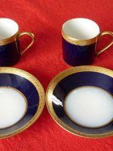 Deux tasses en porcelaine