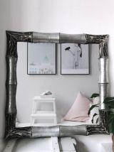 Grand miroir sculpté à la main