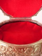 Boite à bijoux a motifs de cerisiers et oiseaux