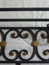 Portemanteau en fer forgé mural