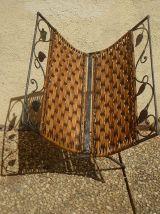 porte  revue, vintage  , rotin et  metal