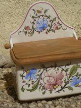 boite a sel  ancienne , porcelaine et bois