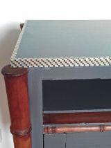Table de chevet en bois et  bambou vintage