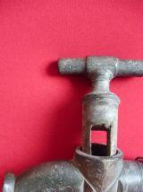 vieux robinet de tonneau
