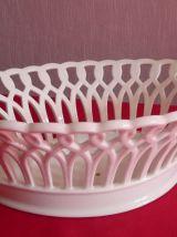 Plat ajouré en faience ou porcelaine
