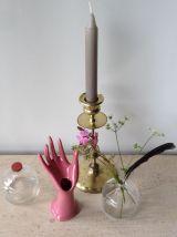 Main baguier soliflore en céramique rose