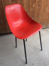 Chaise en fibre de verre rouge Coccinelle par René Caillette